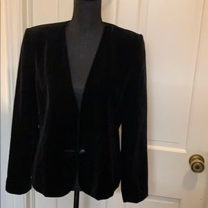 Vintage Ladies' black velvet blazer
